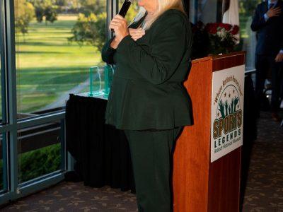 Mayor Pro Tem Joy Motts leading the pledge of allegence.